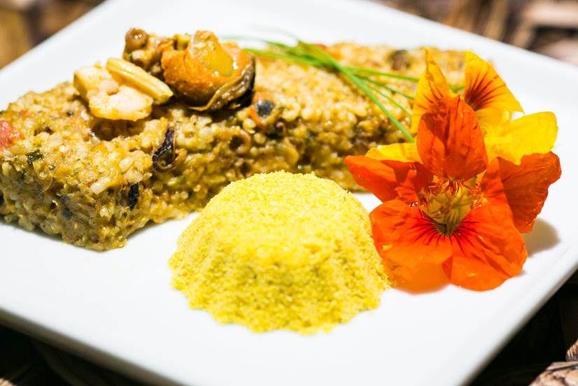Mini arroz tropeiro de frutos do mar