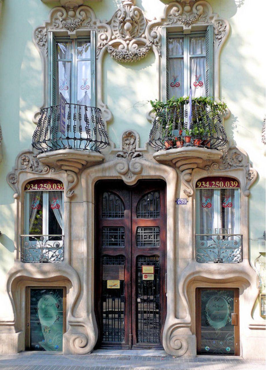 Haus design eingangstor theartnouveaublog  modernista  antonio gaudi barcelona
