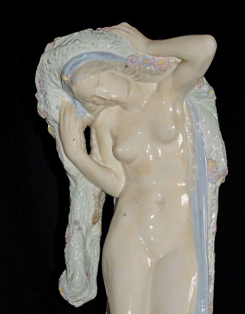 Akt  Mädchen - Jugendstil - Keramikwerkstatt Bechyne, datiert  1884    (# 1429)