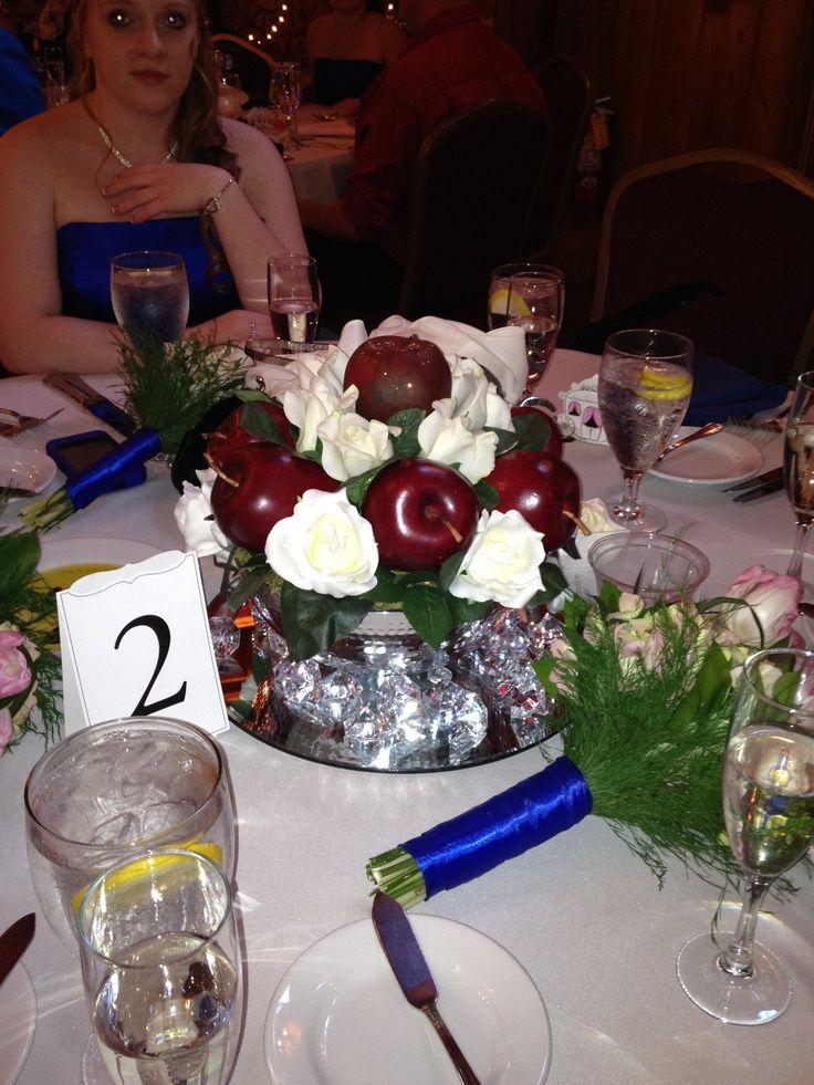 Snow white centerpieces s table centerpiece