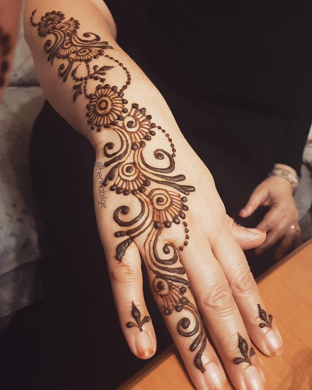 Super Fast Henna For Teyzecik Henna Mehndi Hintkinasi Mannheim Hennapaste Hennastripe Henne Freestyle Doodle Henna Hand Henna Henna Patterns