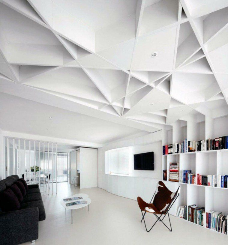 Plafonds modernes pour chaque intérieur en 45 idées intéressantes - faux plafond salle de bain
