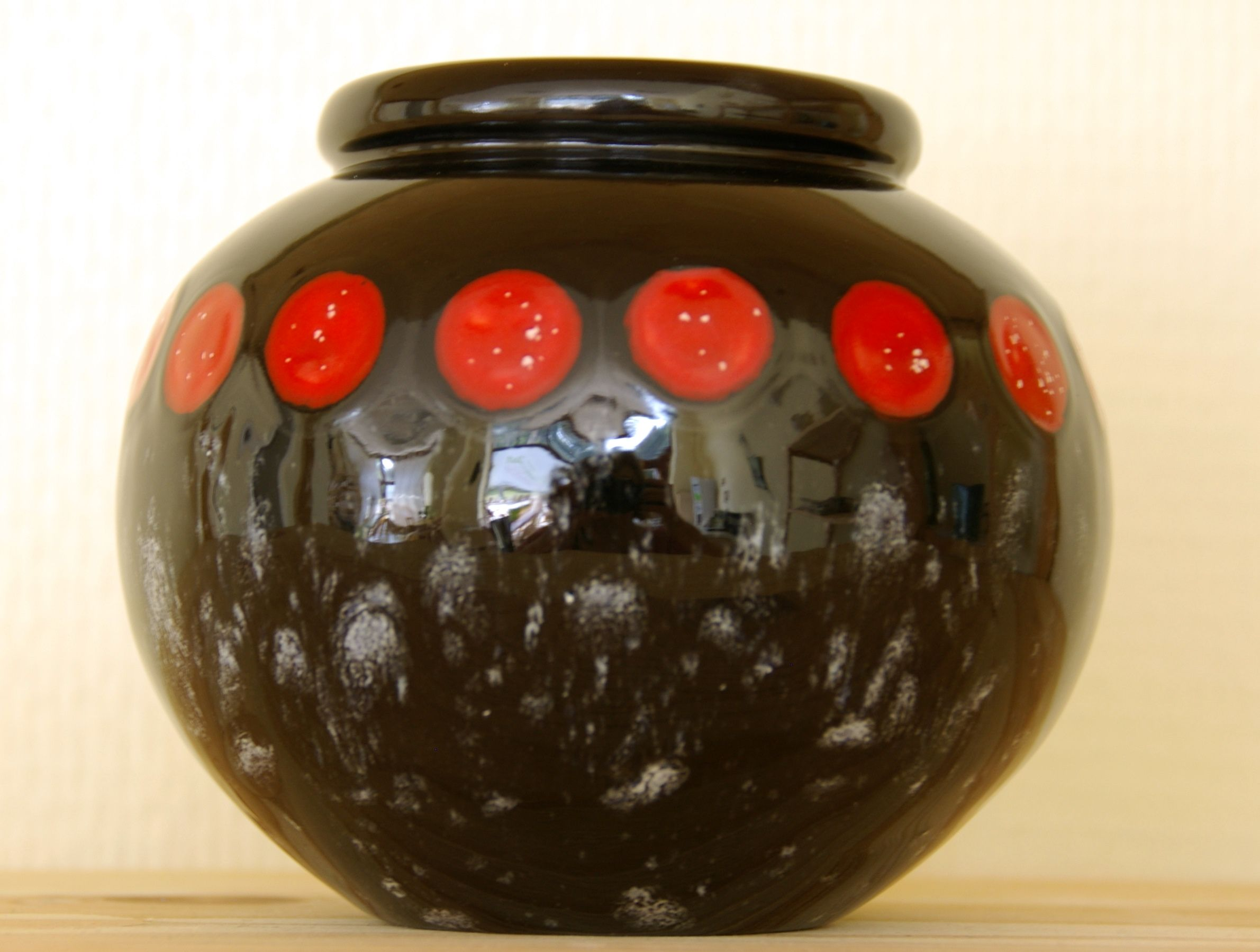 bemalte keramik kugelvase mal 39 s an dresden selbstgemachtes pinterest keramik keramik. Black Bedroom Furniture Sets. Home Design Ideas