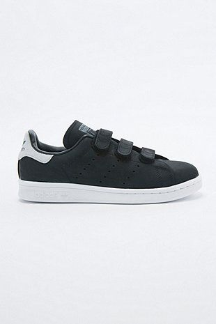 the latest f07ce 003af adidas Originals Stan Smith Black Velcro Trainers - Urban Outfitters