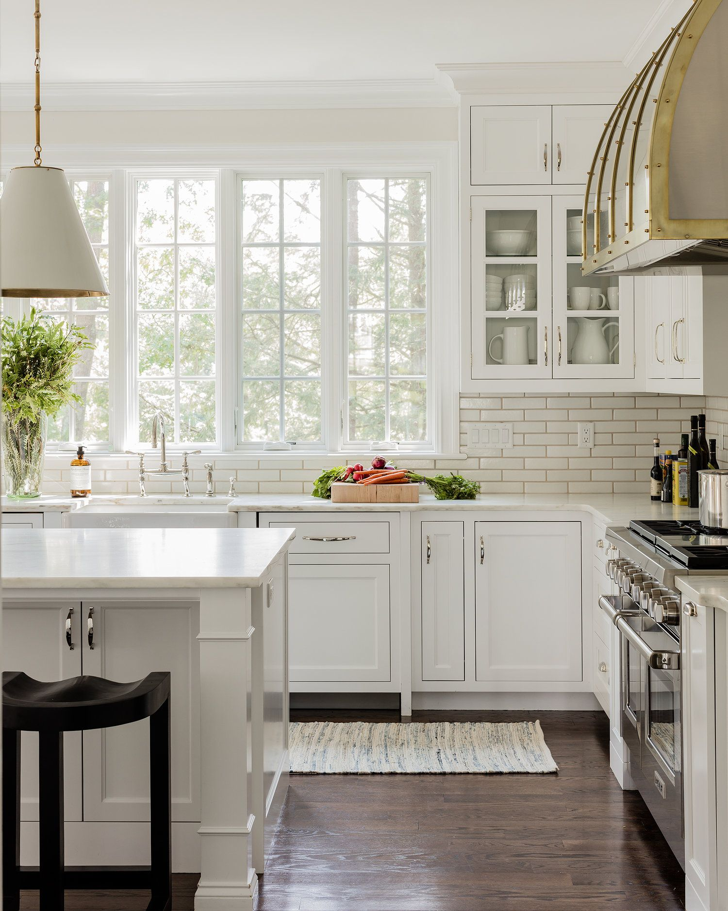 Big Window Over Kitchen Sink Classic White Kitchen Interior Design Kitchen Kitchen Design