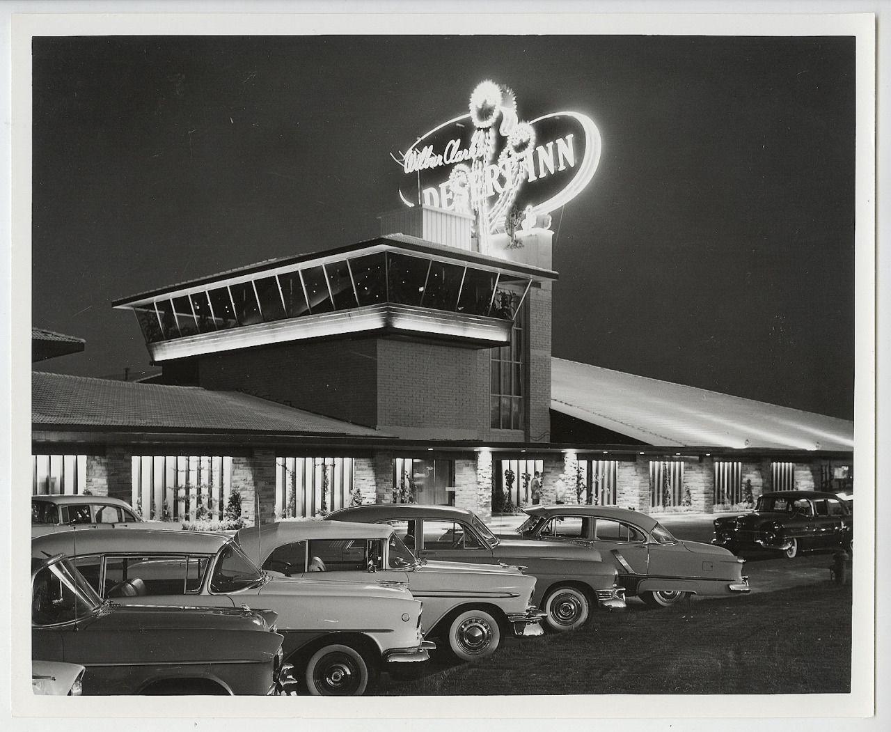 N O I R W H I T E Las Vegas 1950s La Fureur De Vivre