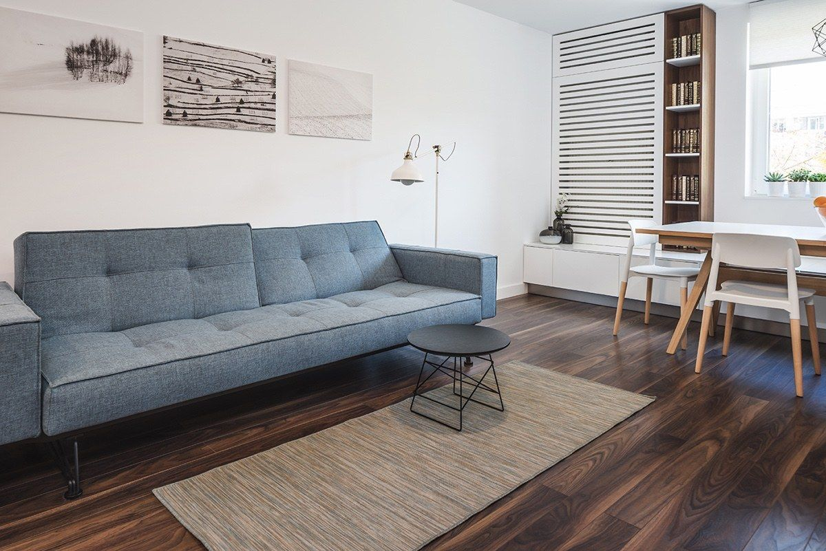 Light And Charming Decor In A Compact 1 Bedroom Apartment Apartment Design Modern Apartment Design 1 Bedroom Apartment