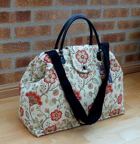 3191a47b73f Vintage Style · Purses · Leather Handle · Carpet Bag