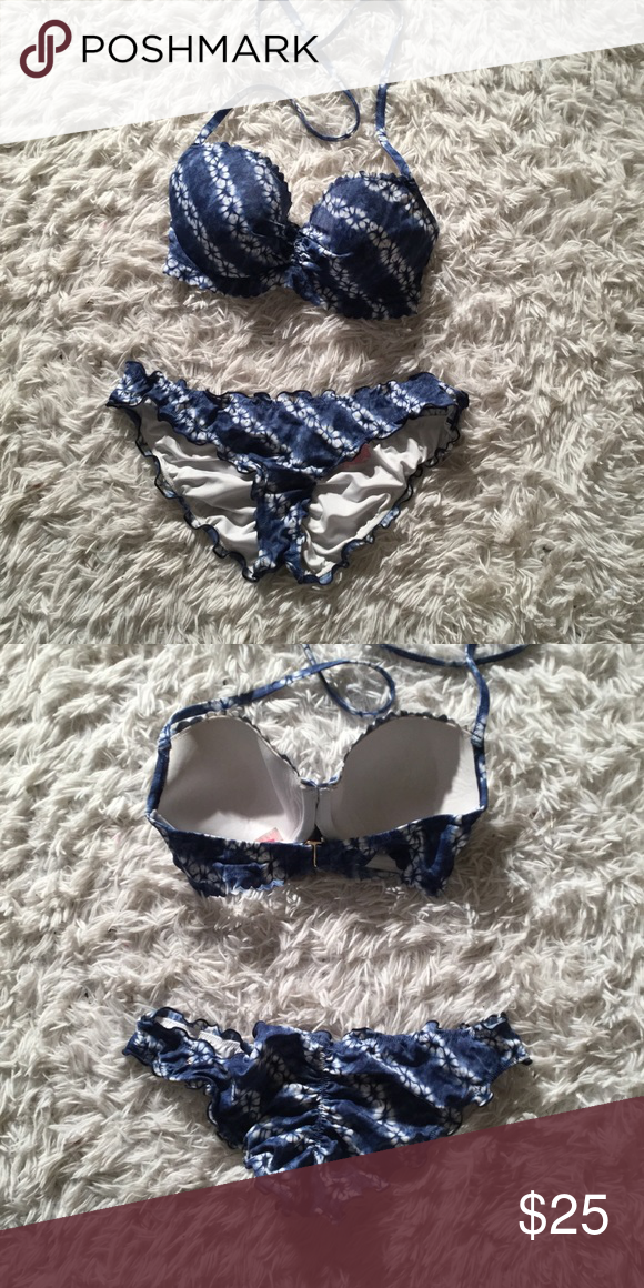 caa67d10aa Victoria's Secret Tie Dye Scalloped Bikini Set Top is 32DD Bottoms are  medium and have a cinched cut Gently used 2-3 times. Very cute and  flattering ...