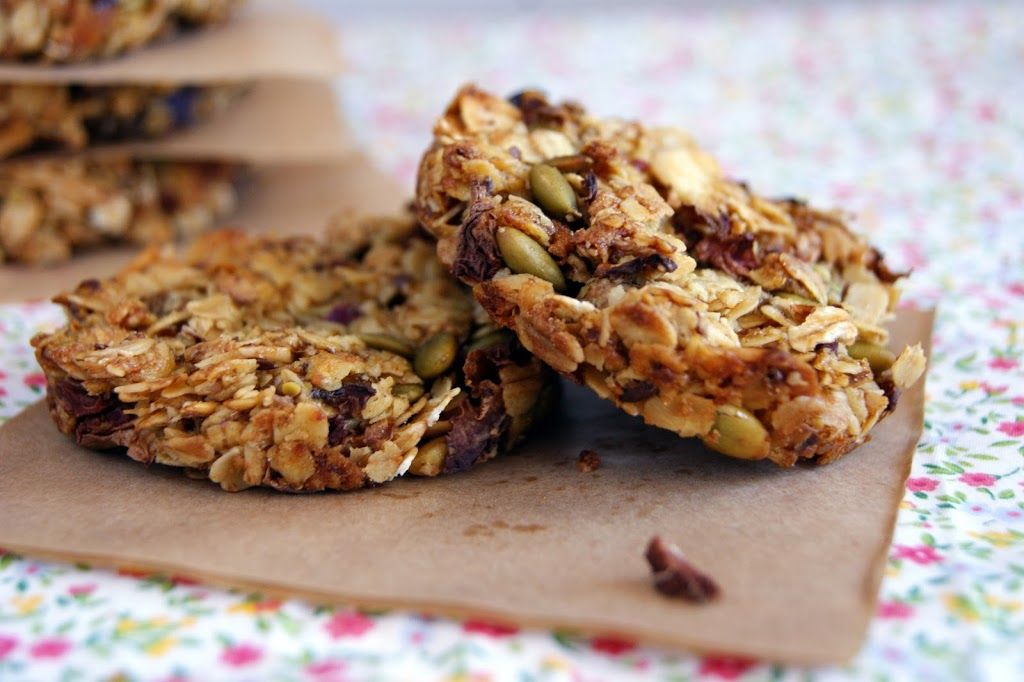 fig and rose muesli biscuits