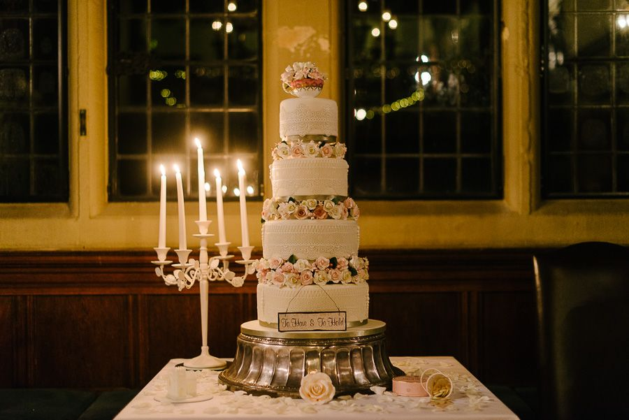 wedding cake from rhinefield house