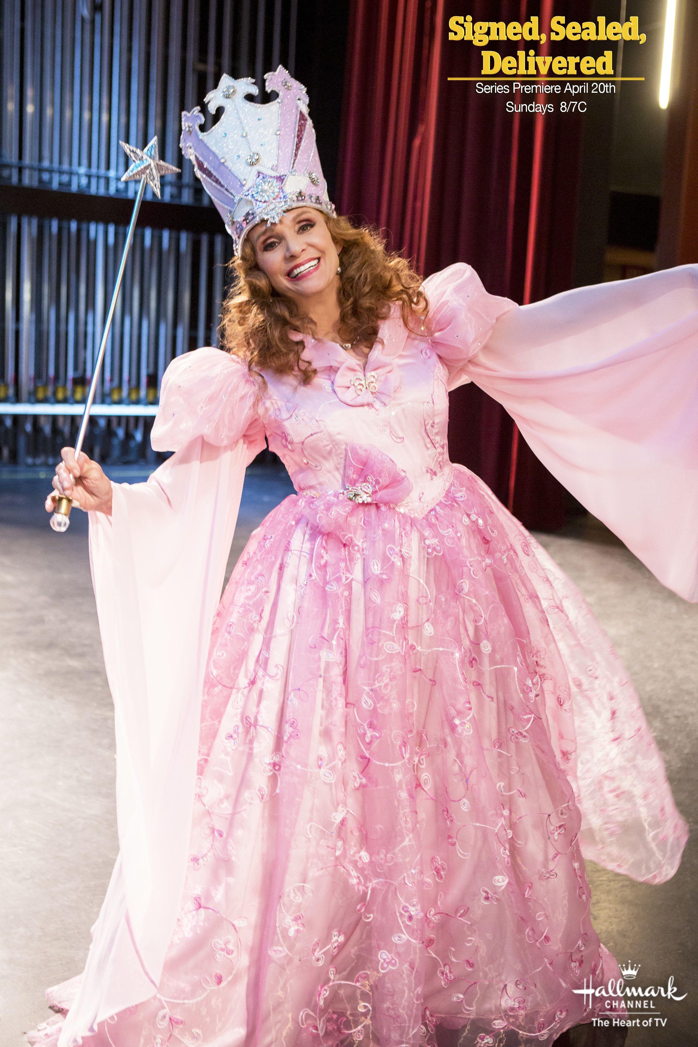 Why Is Valerie Avlo Harper Dressed As Glinda Find Out When Signedsealeddelivered Premieres April 20th 8 7c Formal Dresses Long Celebs Beautiful People