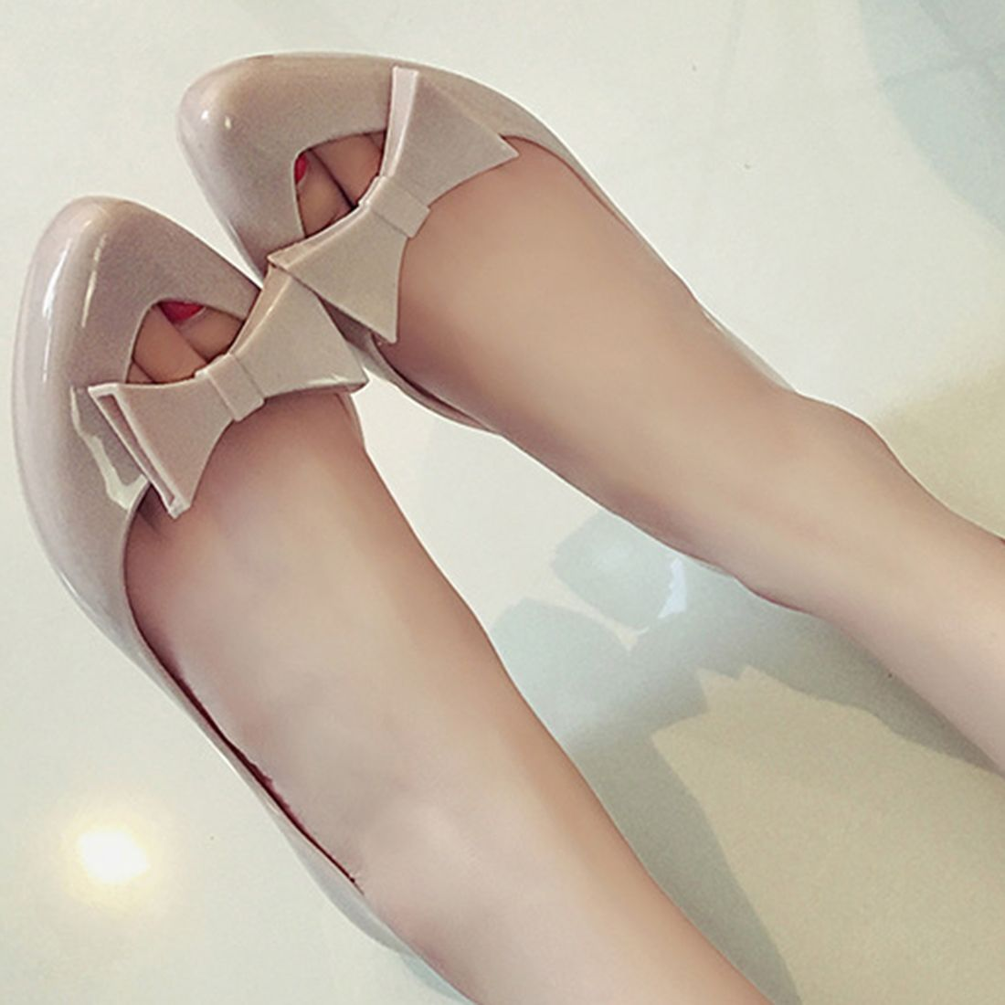 1a0dd6fe34bf Plastic Bowknot Sandals Sweet Flowers Lady Jelly Shoes Women Flat Summer  Shoes Woman Casual Flats Shoes Sandalias Mujer-in Women s Sandals from Shoes  on ...