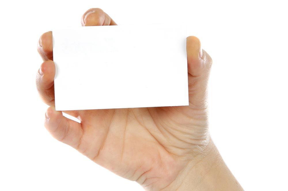 Hand holding a business card 10 free mockups to download | Mockup ...