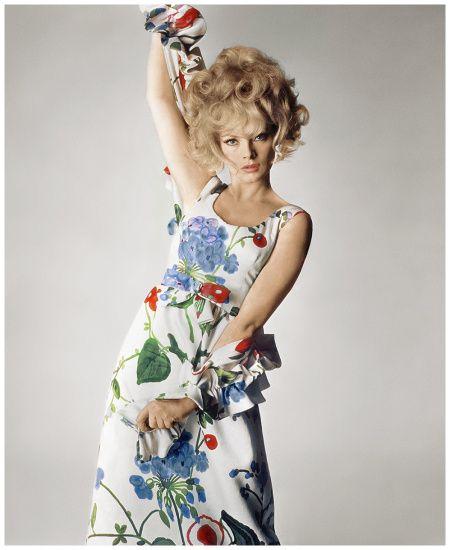 Virna Lisi Photo Irving Penn, Vogue, April 1, 1965