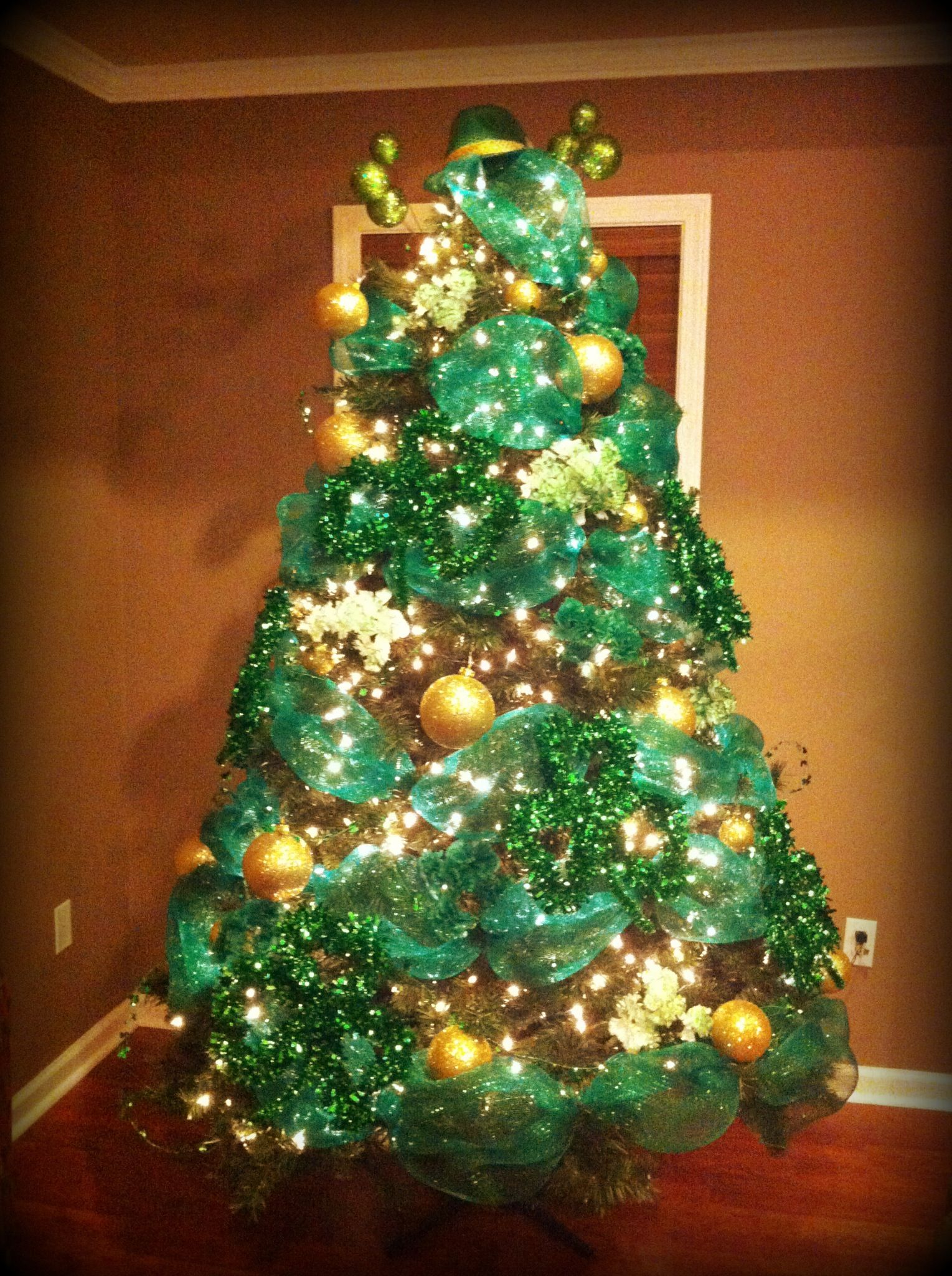St. Patrick's Day tree!! Holiday tree decorations, Irish