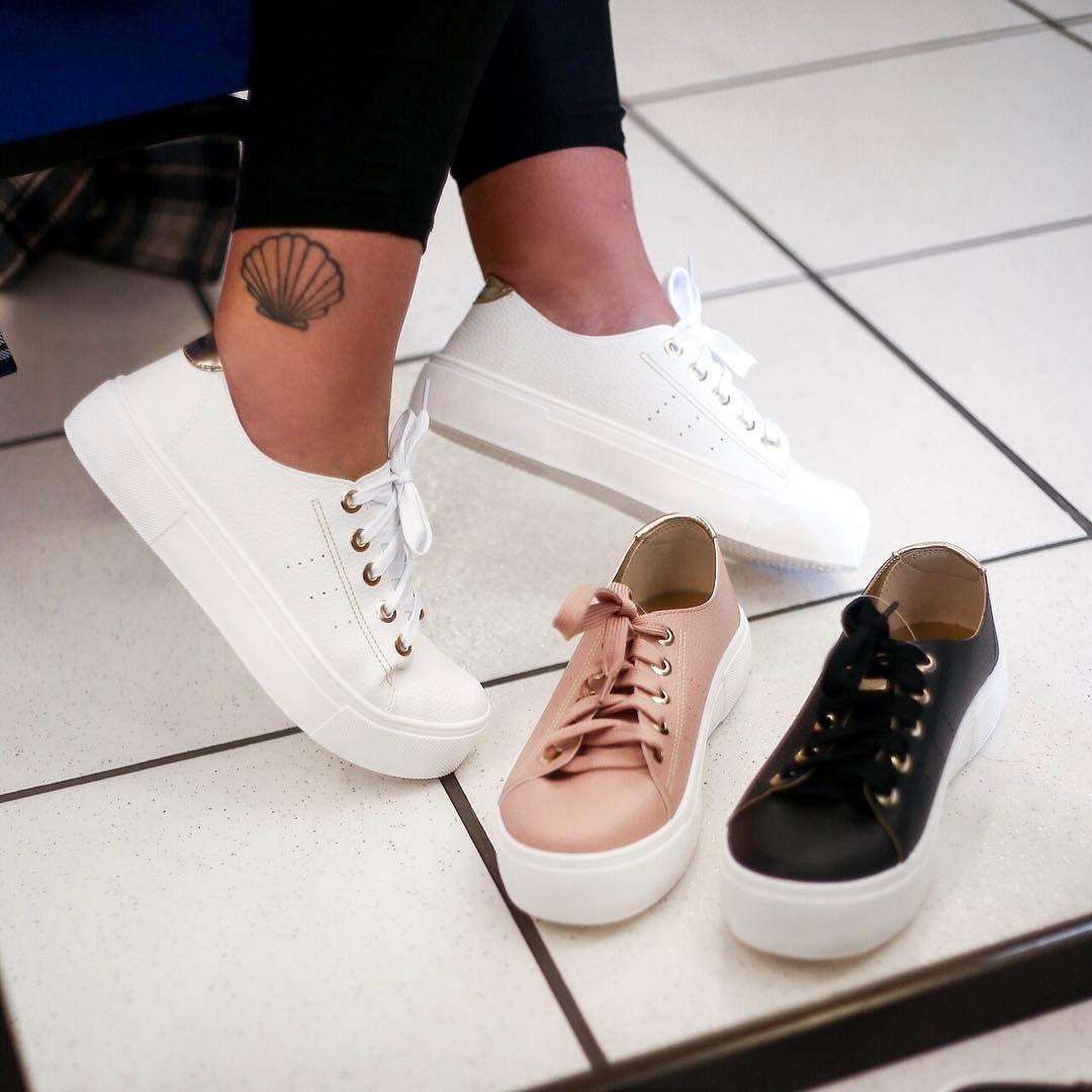 74aa7a29ae8d5 Pensa em um tênis lindo e confortável, esse da @moleca_oficial é o triplo  😍😍😍 #calçadosfemininos #sapatosfemininos #calçados #moleca…