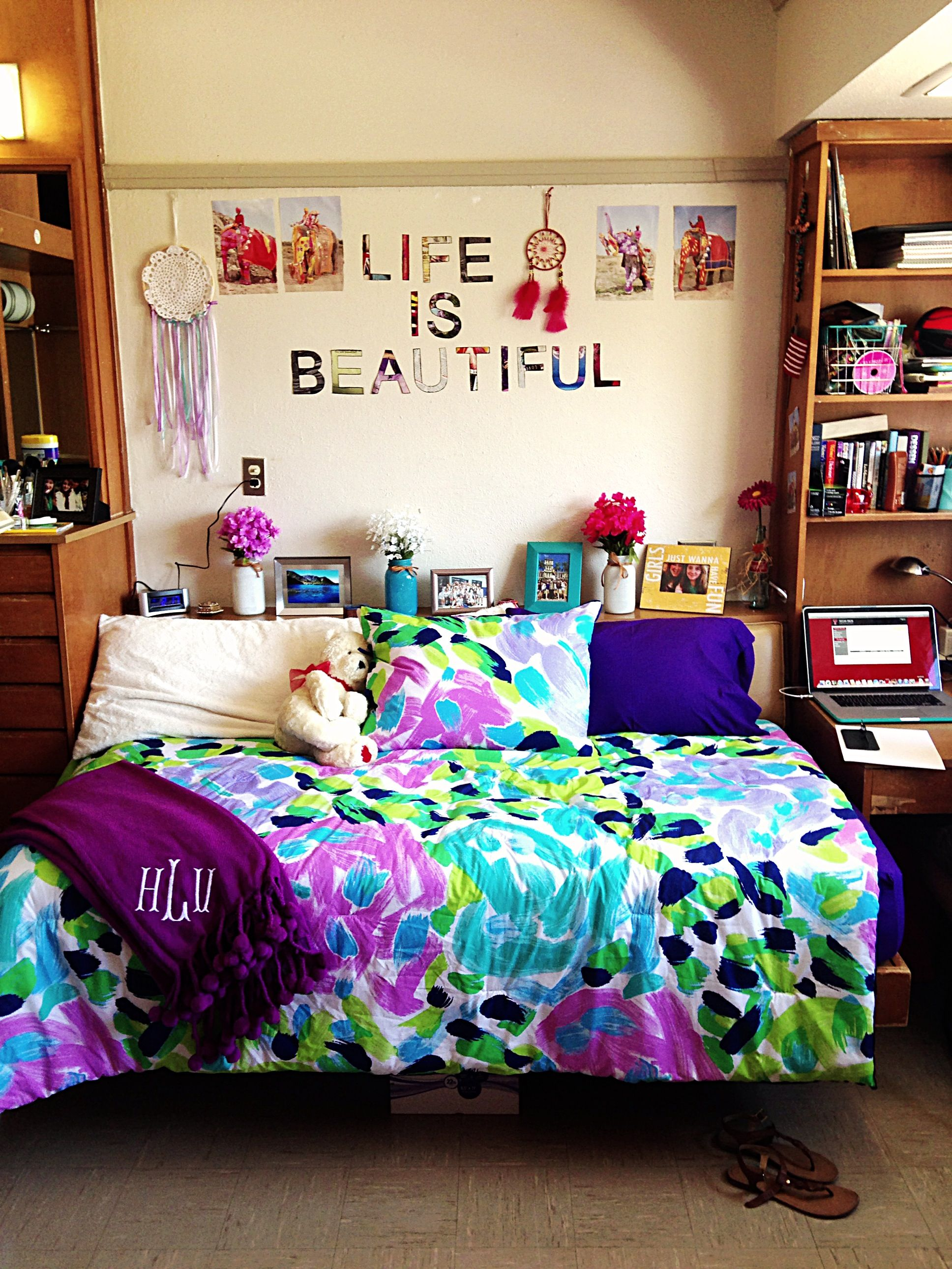Dorm Room Styles: My Dorm Room Looked Just Like This... And Apparently 20