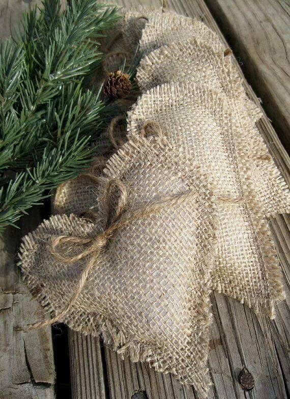 Burlap Crafts Ideas For Christmas!