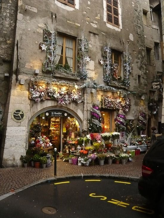 Flower shop in Annecy, France | Cleanlivin's Travel Blog ᘡղbᘠ