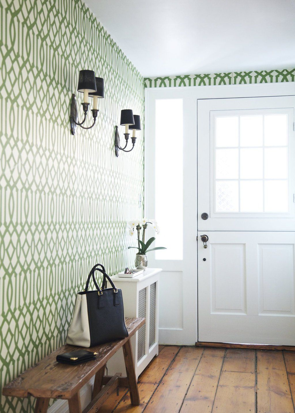 """Apartment Therapy on Twitter: """"Our Favorite Entryways & Foyers — Best of 2015 https://t.co/wd0bWzv8AD https://t.co/VNv5l4F1Gt"""""""