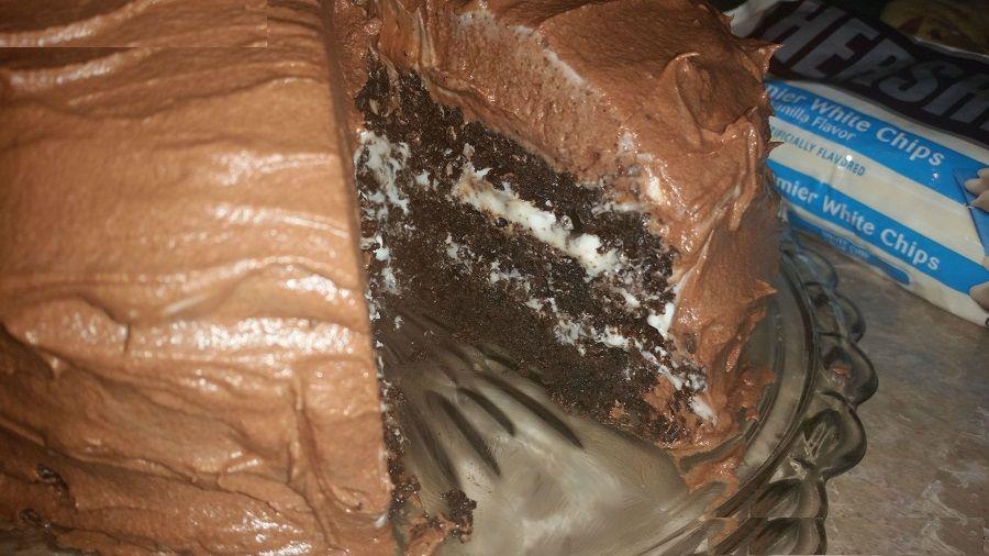 Hershey S Chocolate Cake With Cream Cheese Filling Chocolate Cream Cheese Buttercream Hershey Chocolate Cakes Cake With Cream Cheese Cream Cheese Buttercream
