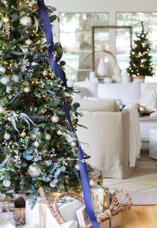 Christmas Home Tour Bsht 2016 Zevy Joy In 2020 Blue Christmas Decor Blue Christmas Tree Decorations Christmas Interiors