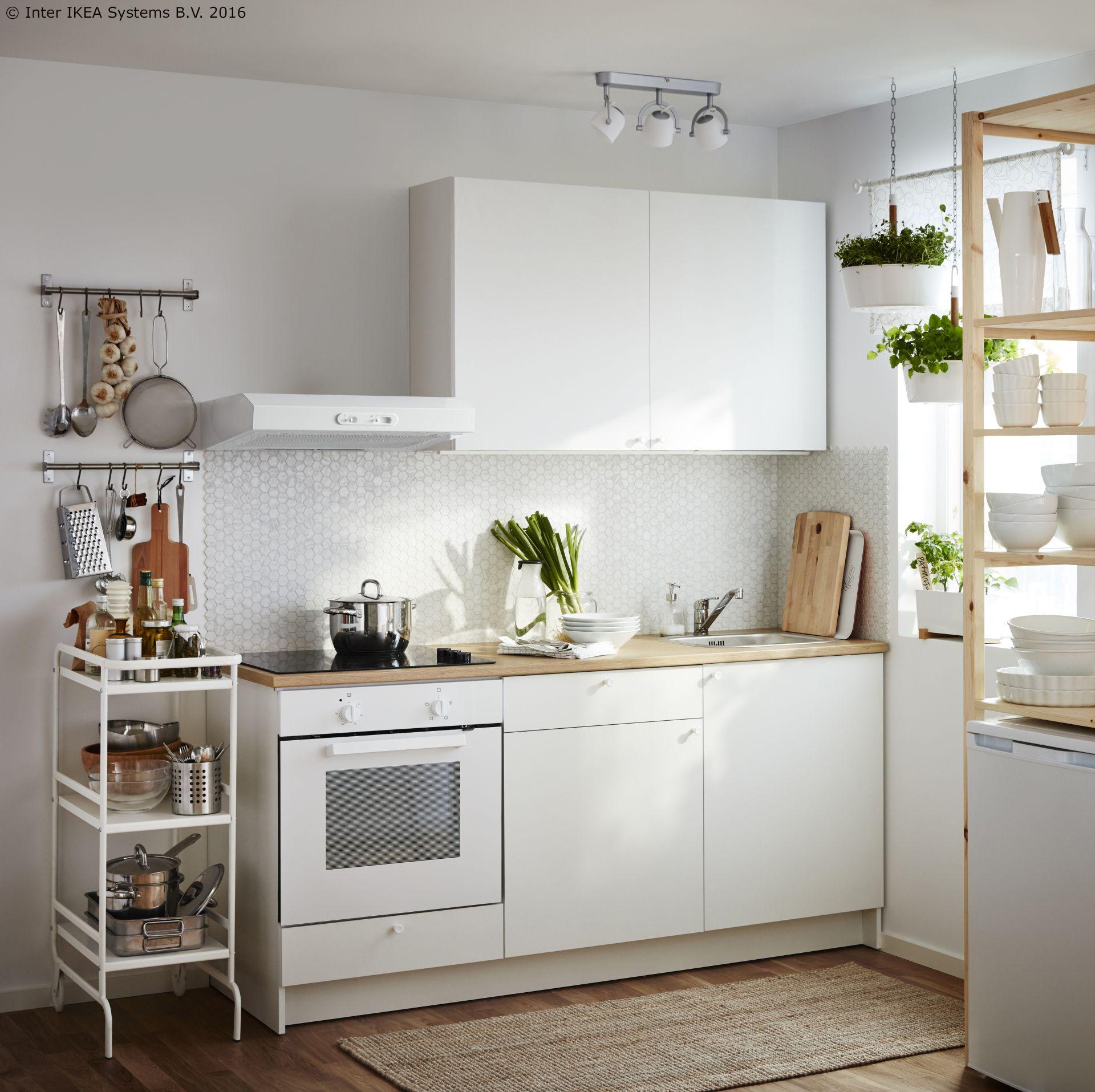 Small White Kitchen Apartment po dobroj cijeni možeš potražiti rajski bijelu knoxhult kuhinju