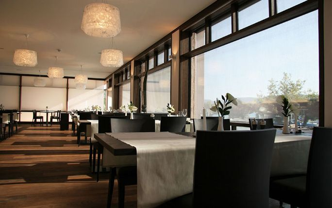 Require An Incredibly Place To Stay In Zurich Switzerland Http Www Imsonnenbuehl Com En Italienische Restaurants Zurich Restaurant Restaurant