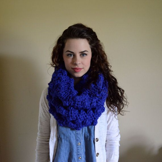 The Thistle Scarf // Chunky Crochet Infinity // by TheUnknotting