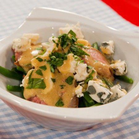 Салата от зелен фасул с бекон, синьо сирене и горчичен дресинг - print version