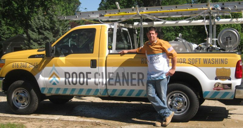 Best Your Roof Cleaner Cedar Roof Cleaning Cedar Shakes 400 x 300