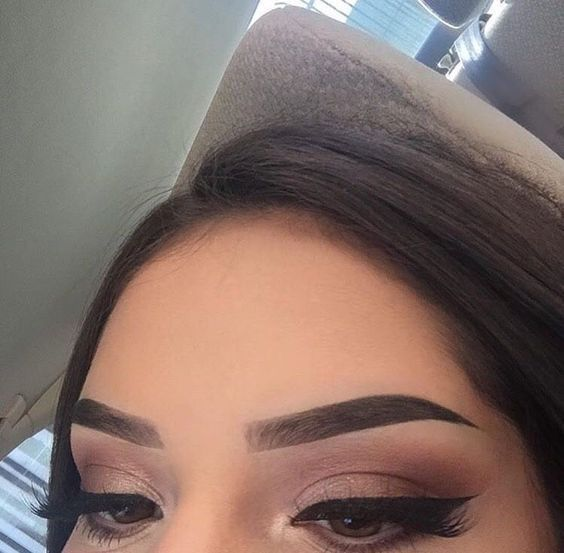 Yall I Think I Finally Figured Out What An Eyebrow Pencil Is For