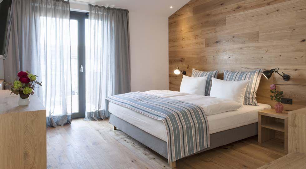 Holz Schlaf  Hotelzimmer | GABRIELA RAIBLE INNENARCHITEKTUR | #HotelDesign  #Hotelschlafzimmer #HolzSchlafzimmer #