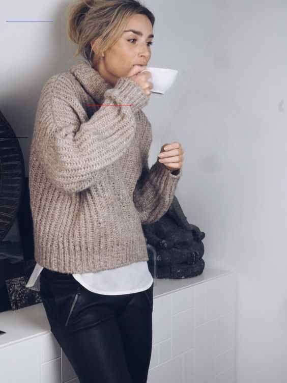Wie man einen Pullover mit Leder gestylt: 15 Ideen
