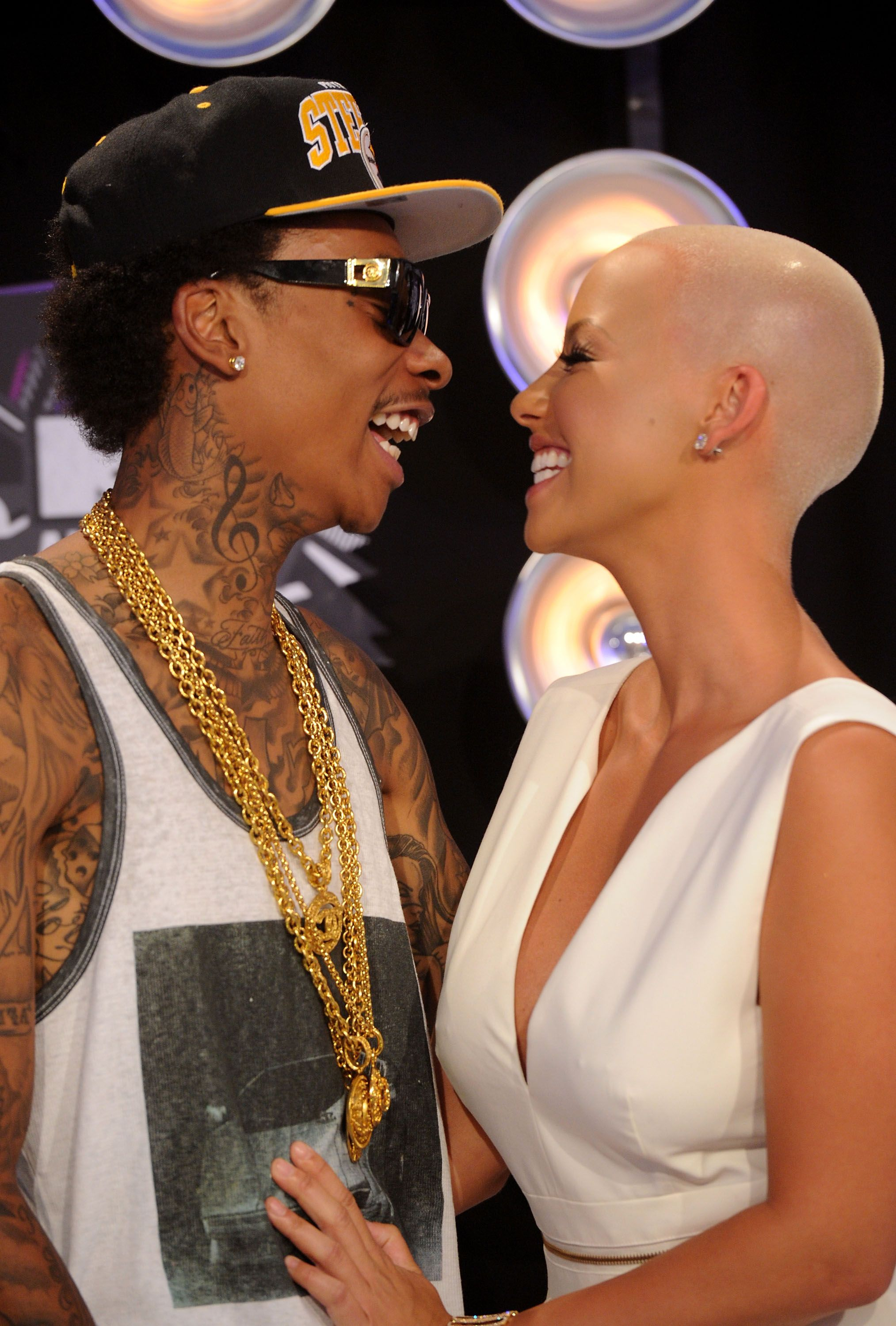 Amber Rose Wiz Khalifa Photos - Rapper Wiz Khalifa and model Amber Rose  arrive at the 2011 MTV Video Music Awards at Nokia Theatre L.