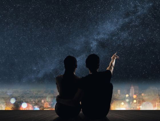 OROGOLD shows you how to spend an evening under the stars with that special someone, enjoying a romantic date for two.