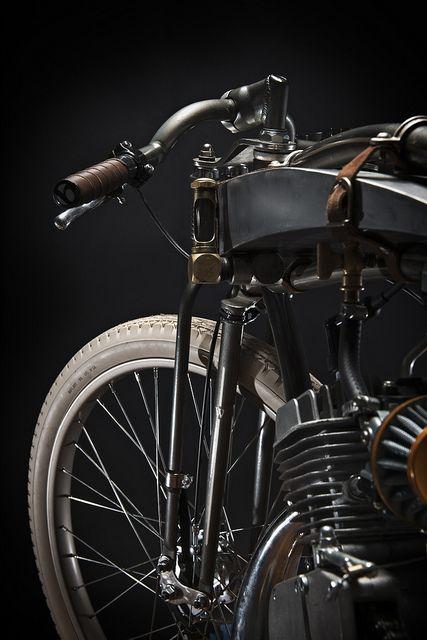 Wolf Built Redeem 1 edit by Bradmwolf #classicmotorcycles #motosclasicas   caferacerpasion.com