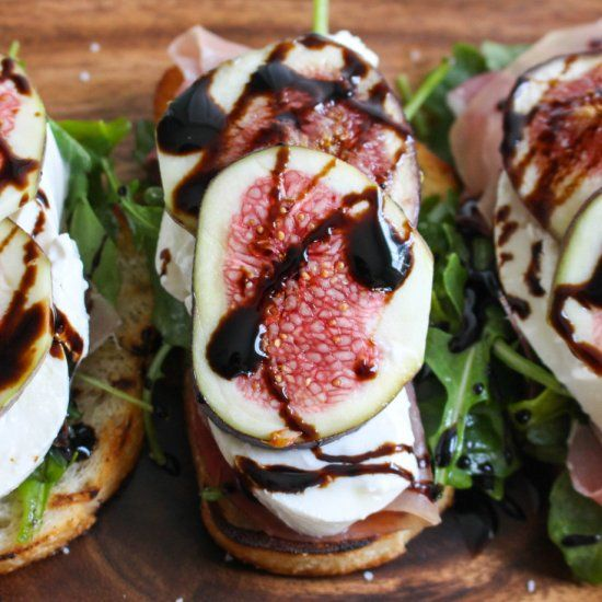 Fig, Burrata, & Prosciutto Crostini