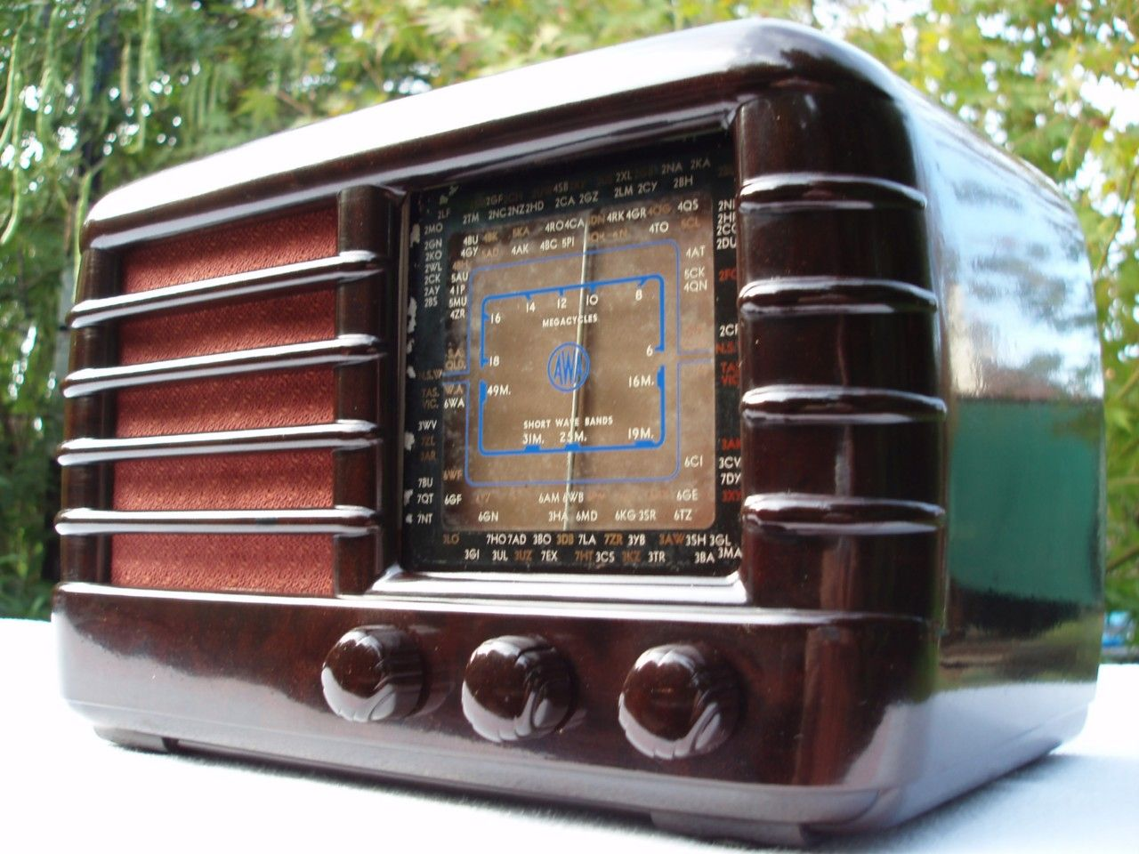 Deco Vintage 40s Awa Radiola Bakelite Valve Radio For Sale