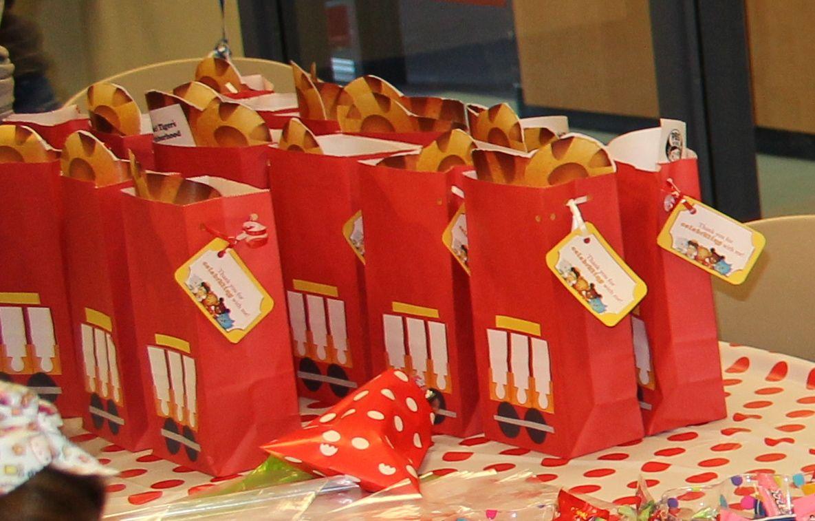 Daniel Tiger Party Gift Bags Daniel Tiger Birthday Daniel Tiger Party Daniel Tiger Birthday Party
