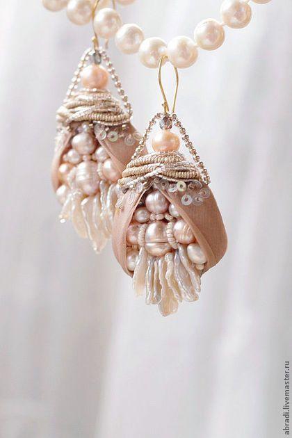 """Gorgeous earrings / Серьги ручной работы. Ярмарка Мастеров - ручная работа. Купить Серьги """" Бутоны """".. Handmade. Бледно-розовый, бисер ♡"""