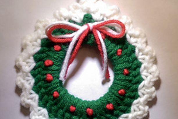 Christmas Wreath Ornament Free Crochet Pattern Free Amigurumi