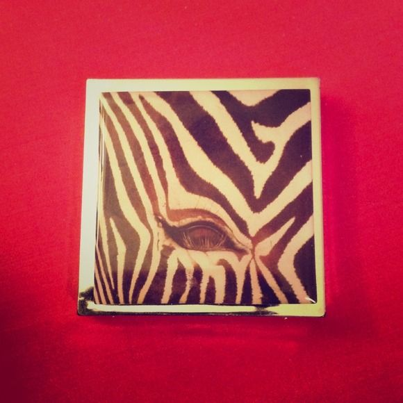 "GIFTED!! Compact Mirror with Magnification Zebra 2.6"" x 2.6"" Compact Folding Mirror, 2.6"" x 2.6"", Photograph of Zebra Face/Eye, will be new, in Manufacturers Packaging. Accessories"