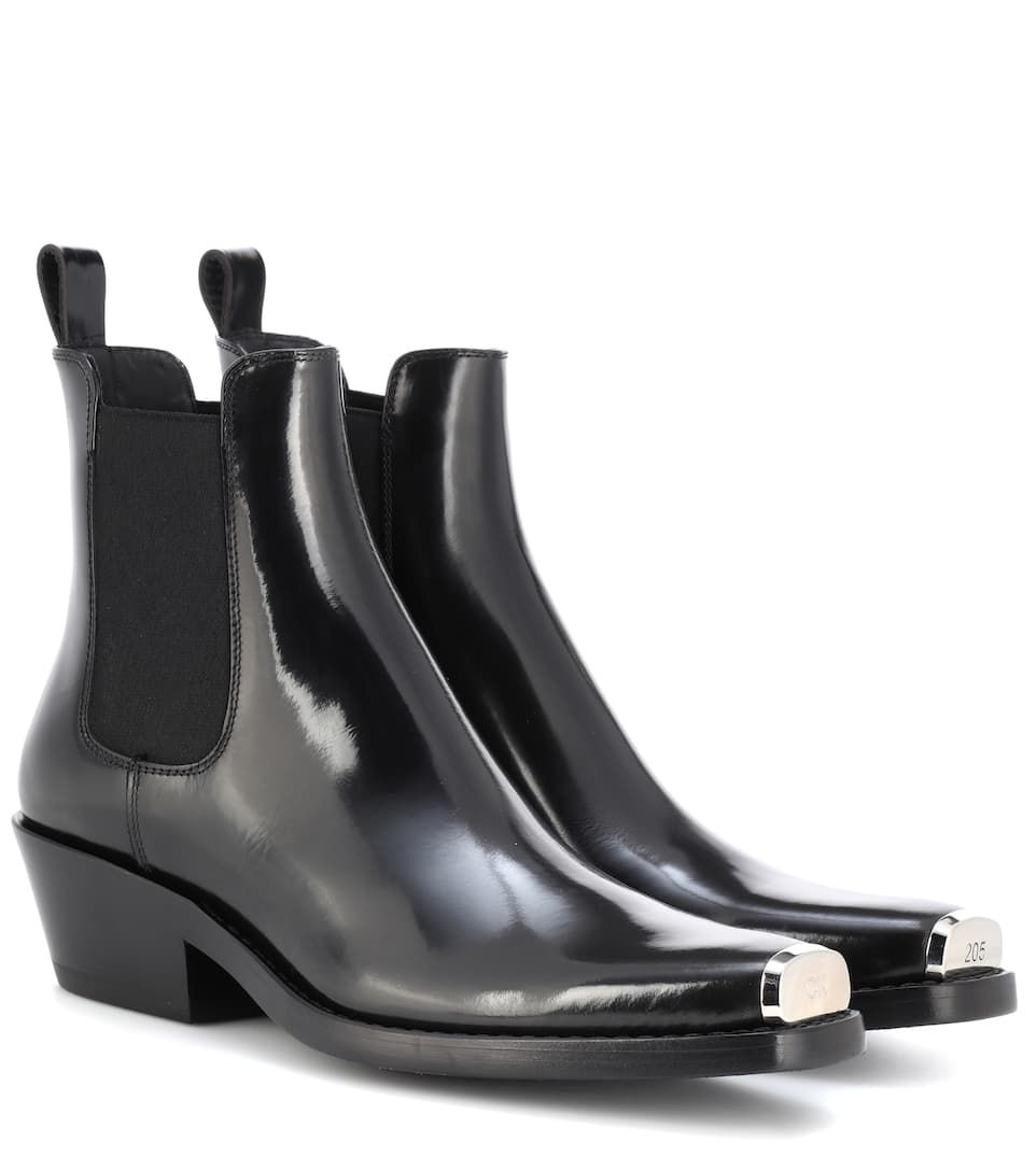 Boots, Chelsea boots