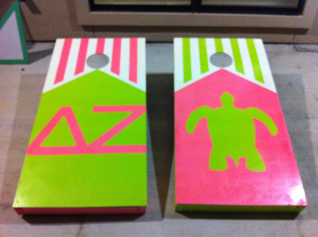 dz corn hole! Jillian Cooper this is for you. Not sure what sorority you were in, but the combination of that with the turtle reminded me of you!