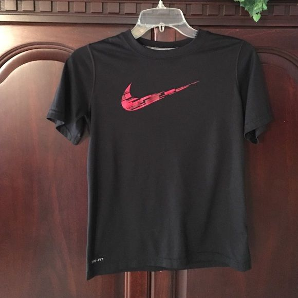 b41eb7318 Boys Nike shirt Boys Nike dri-fit shirt size M black/red Nike Tops Tees - Short  Sleeve
