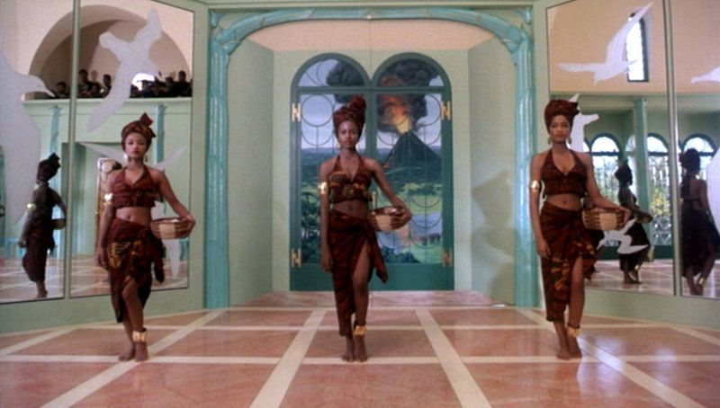 Coming to America_Feather, Stephanie Simon, Garcelle Beauvais_full rose |  America girl, African wedding, America theme