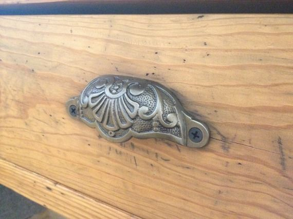 Anciennes Poignees De Meubles De Metier En Bronze Massif Meuble De Metier Mobilier De Salon Poignee Meuble