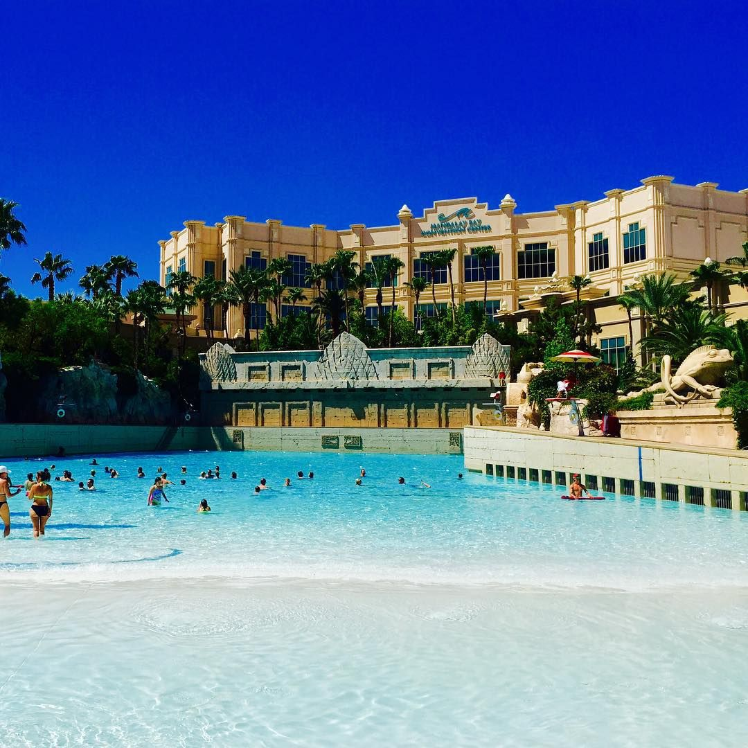 When Vegas hands you a high of 108°, there's no reason not to hit the wave pool at #MandalayBayBeach. #Resortist